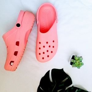 Crocs Pink Like New Condition